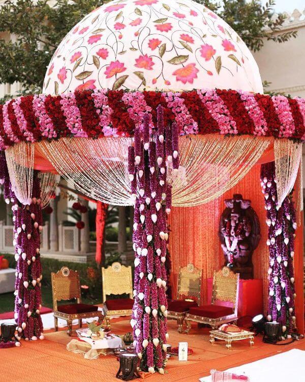 Chandelier Dome shapedUnique Mandap Decoration Ideas