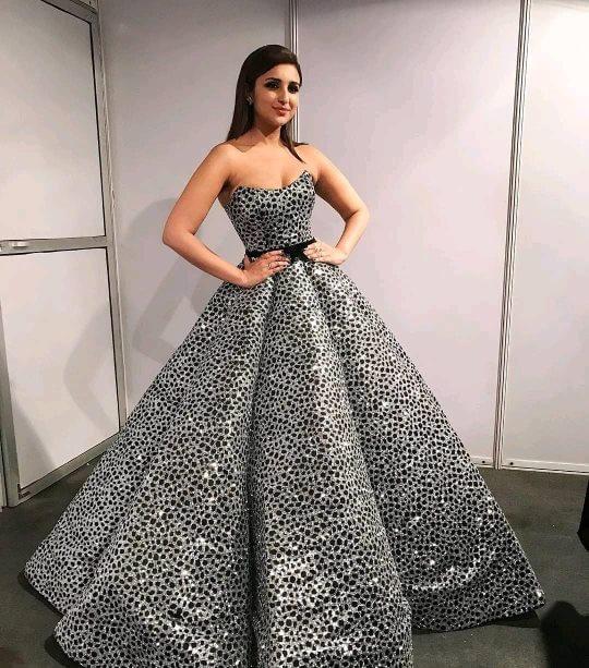 Bollywood actress Parineeti Chopra in wedding outfit Glittering like a princess
