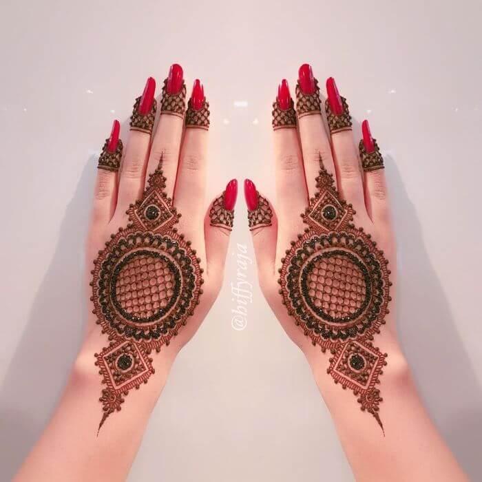 Beautiful intricate glitter mehndi design for hands Glitter Mehndi Designs for Hands by Hiffyraja