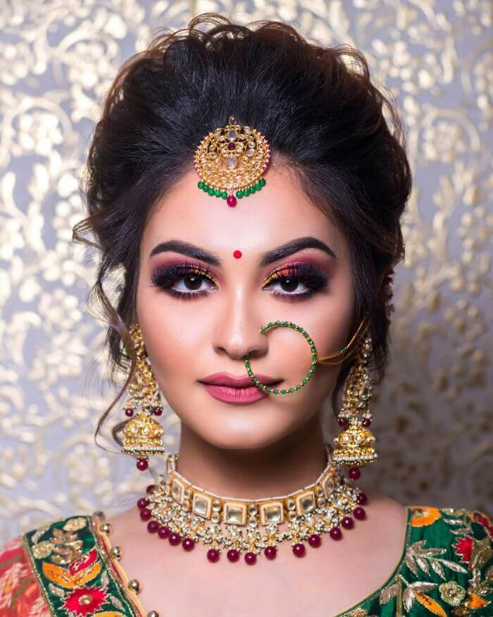 The smoky eye bright makeup look for Bride's sisters and bhabhi Indian Wedding Makeup Looks for Bride's Sister