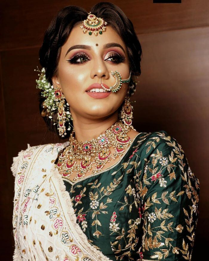 The dewy golden makeup look for bride's sisters and bhabhi Indian Wedding Makeup Looks for Bride's Sister