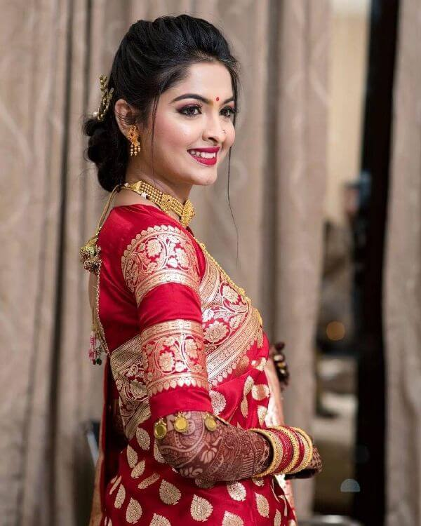 The traditional look for marathi brides Marathi Bridal Look in Traditional Saree