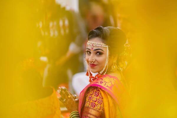 The beautiful marathi bride Marathi Bridal Look in Traditional Saree