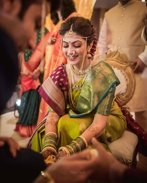 The royal touch look for the Marathi brides Marathi Bridal Look in Traditional Saree