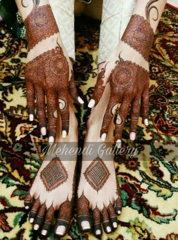 Fine traditional Mehndi design for hands Stylish Pakistani Mehndi Designs for Hands