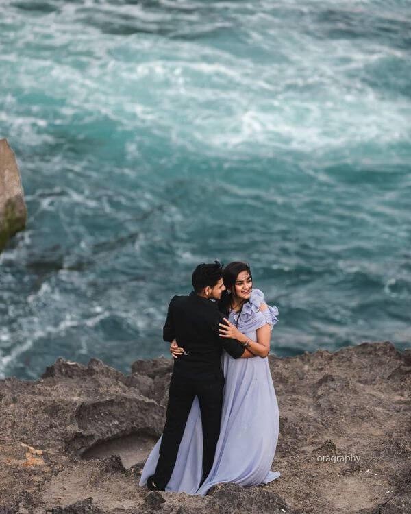 sea Unique Pre-Wedding Photoshoot Ideas