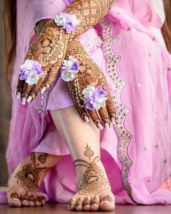 Beautiful lavender floral hathphool jewellery Floral Hathphool Jewellery Designs for Weddings