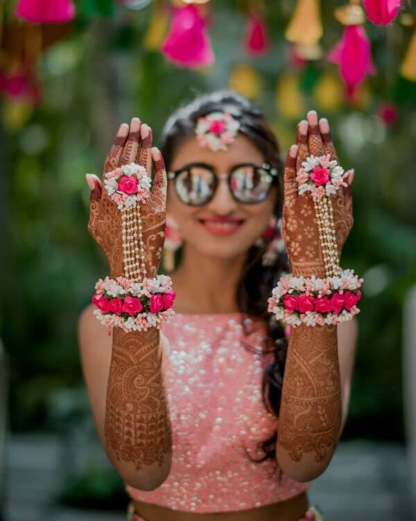 Modern bridal floral hathphool jewellery Floral Hathphool Jewellery Designs for Weddings