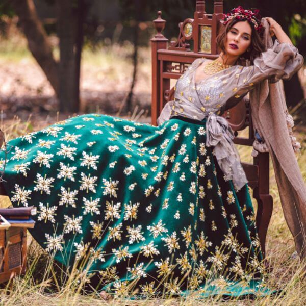 contrasting lehnga Unique Bridal Lehenga Ideas for Stylish Look
