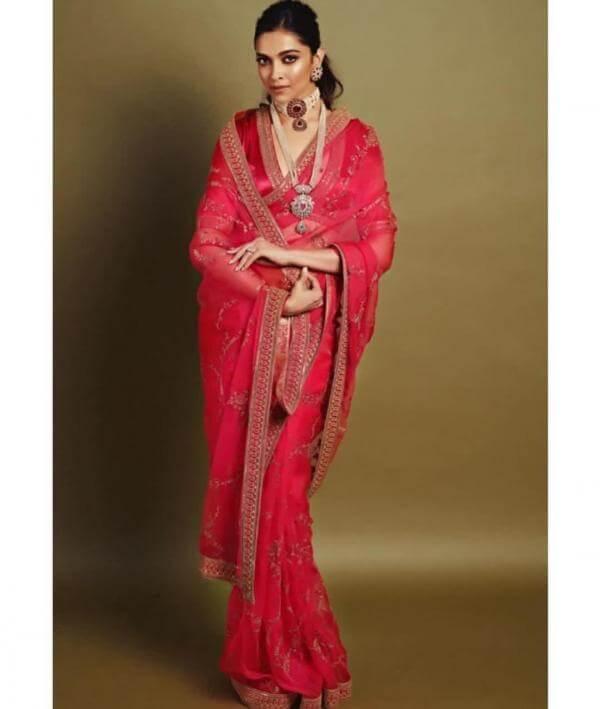 Deepika's effortless saree