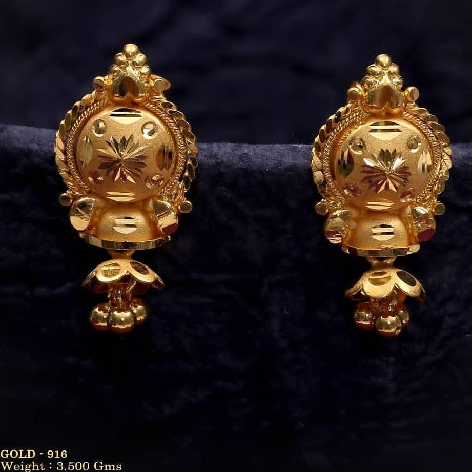 Contemporary earrings with weight Gold Wedding Earring Designs You will Fall in Love Instantly