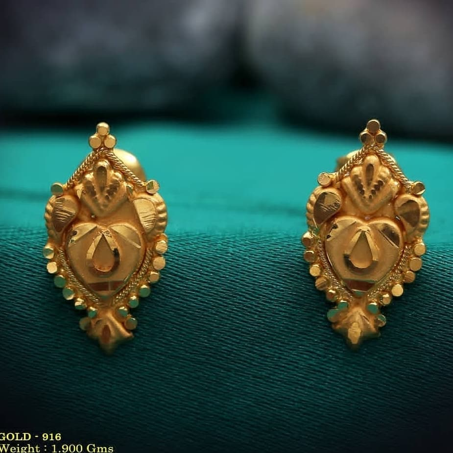 Gold crush stud earrings for marriage Gold Wedding Earring Designs You will Fall in Love Instantly