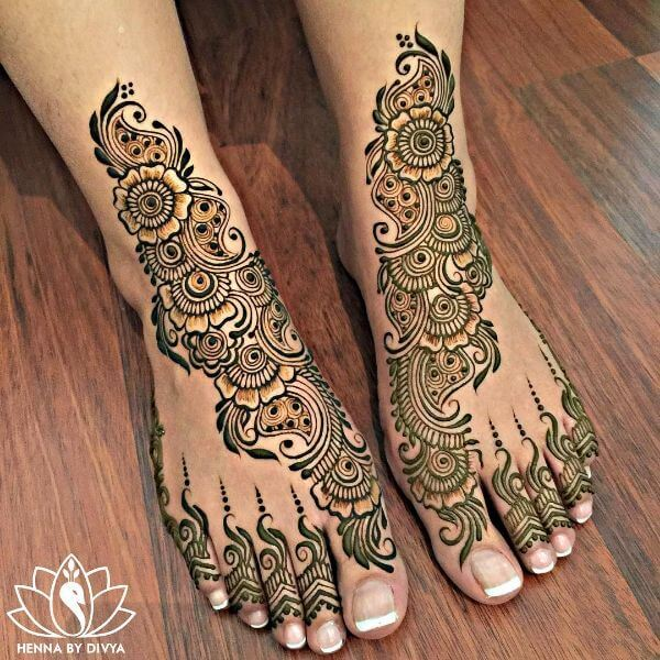 Traditional Henna Mehendi Designs for Legs