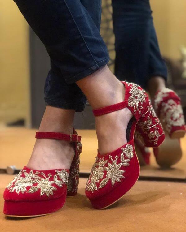 Red embroidered traditional heeled shoes for indian bride - Bridal Footwear Ideas for Indian Wedding