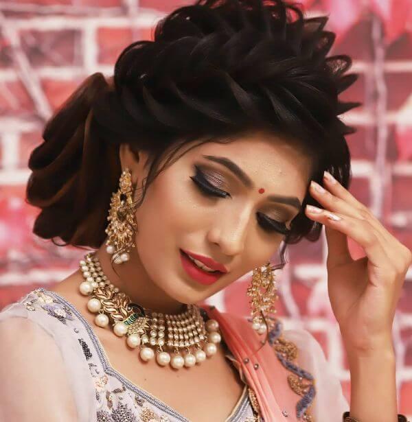 Dewy Indian Wedding makeup look Indian Wedding Makeup Looks for Brides & Bridesmaids