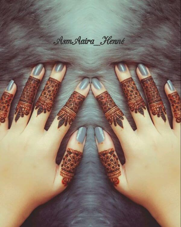 Stylish diamond-shaped finger mehndi design