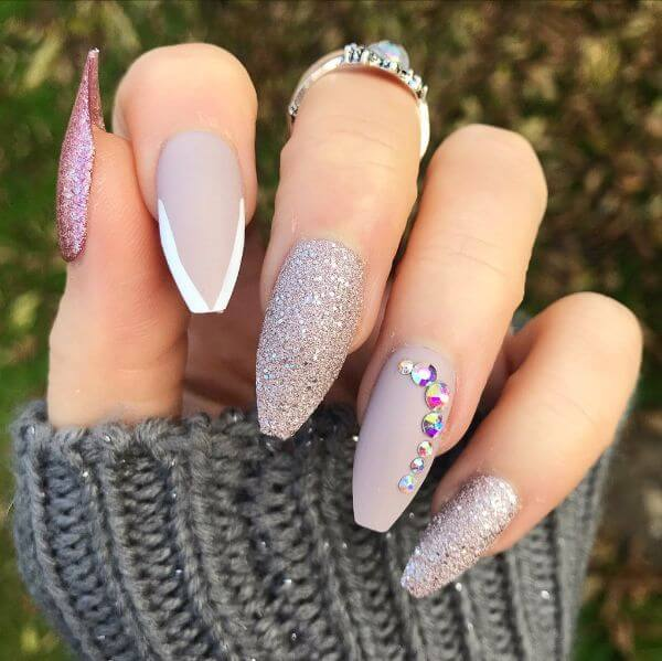 sparkly look and glitter on another this nail art Matte Nail Art Designs - Nail Polish Ideas for Stylish Look