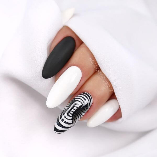 The Optical Illusion Latest Nail Art Designs to Glam-up Your Nails 2020