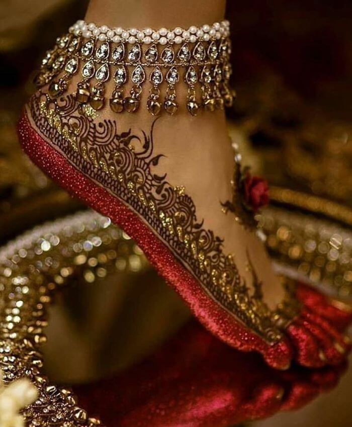 Pearl-stones Latest Payal Designs for Brides - Trending Anklets for Wedding