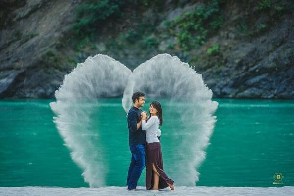Your love is my wings, pre-wedding shoot Perfect Pre-Wedding Couple Photography Ideas