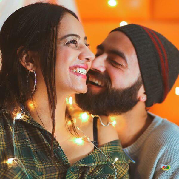 Our Love is Lit, pre-wedding shoot Perfect Pre-Wedding Couple Photography Ideas