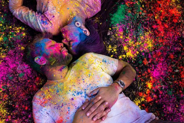 Our Love Has Many Colors, pre-wedding shoot Perfect Pre-Wedding Couple Photography Ideas