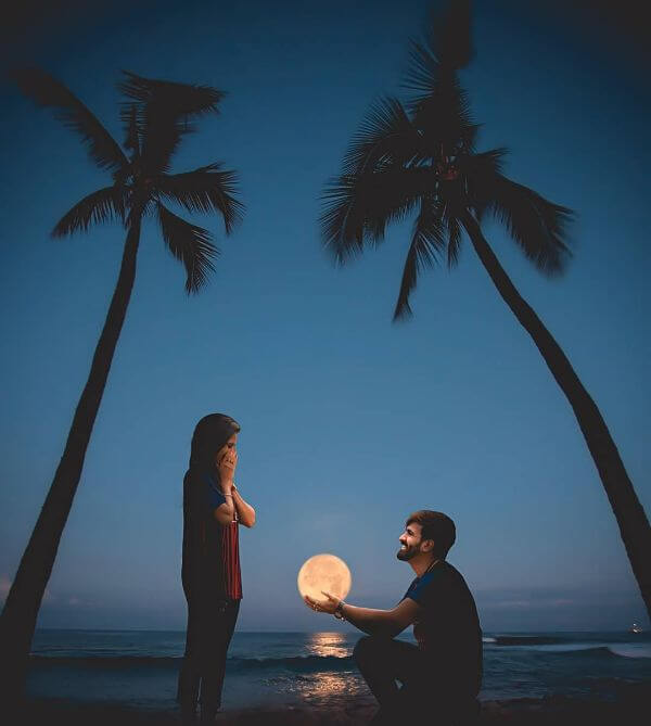 Don't count the stars, the Moon is For You, pre-wedding shoot Perfect Pre-Wedding Couple Photography Ideas