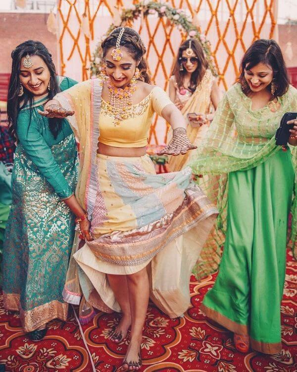 Cheesy & Dreamy Poses for Photoshoot of Bride with Bridesmaids