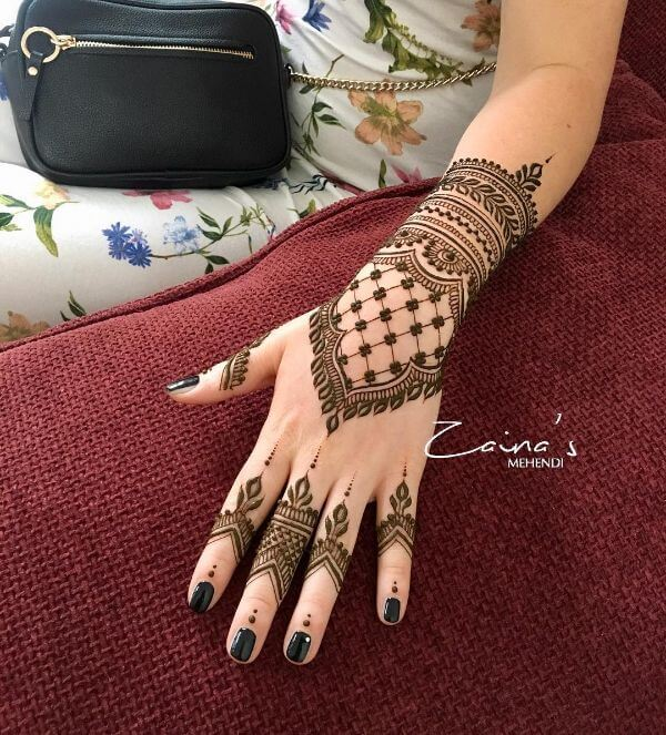 Enriched and simple mehndi designs for back hands Simple Mehndi Designs for Front & Back Hand