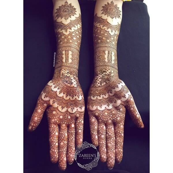 Complicated pattern mehndi design for full hands