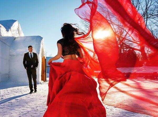 Winter Pre-Wedding Photoshoot Ideas with Beautiful Locations