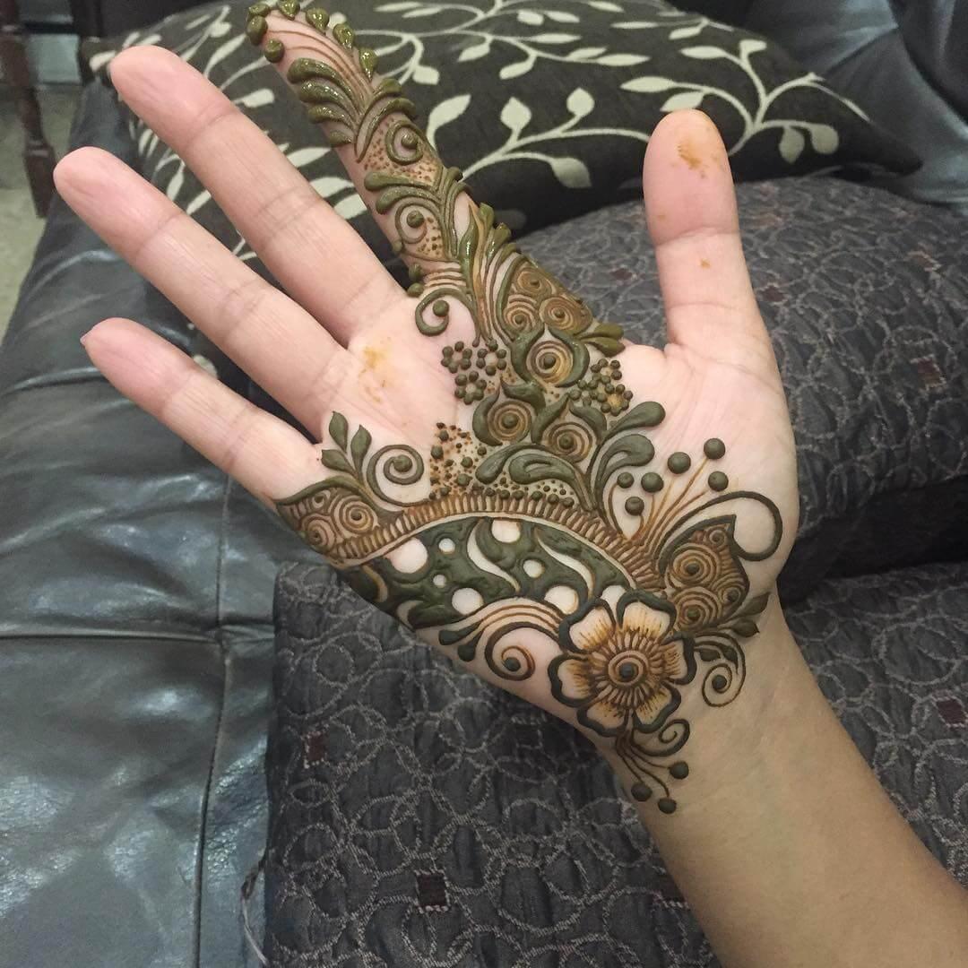 Aesthetic arabic mehndi design