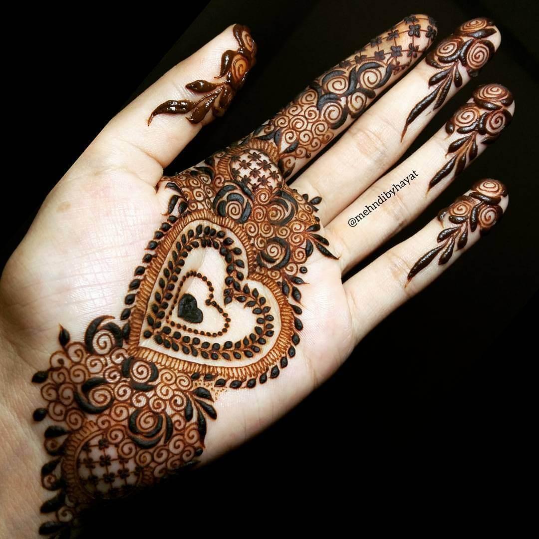 Heart shape arabic mehndi design