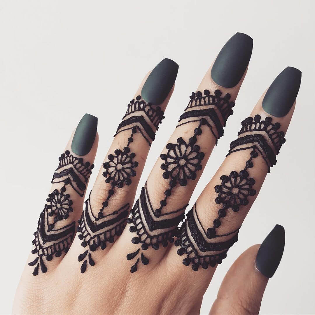 Arrow style mehndi designs