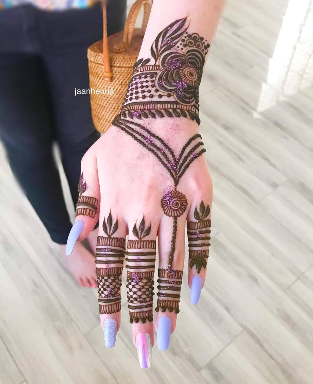 Glitter Arabic Mehndi Design Latest Simple Arabic Mehndi Designs for Back Hand 2020