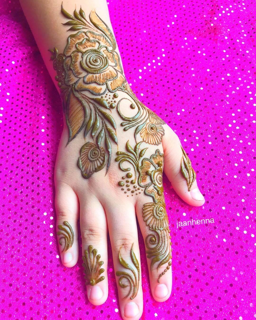 Guldasta style Arabic Henna Design