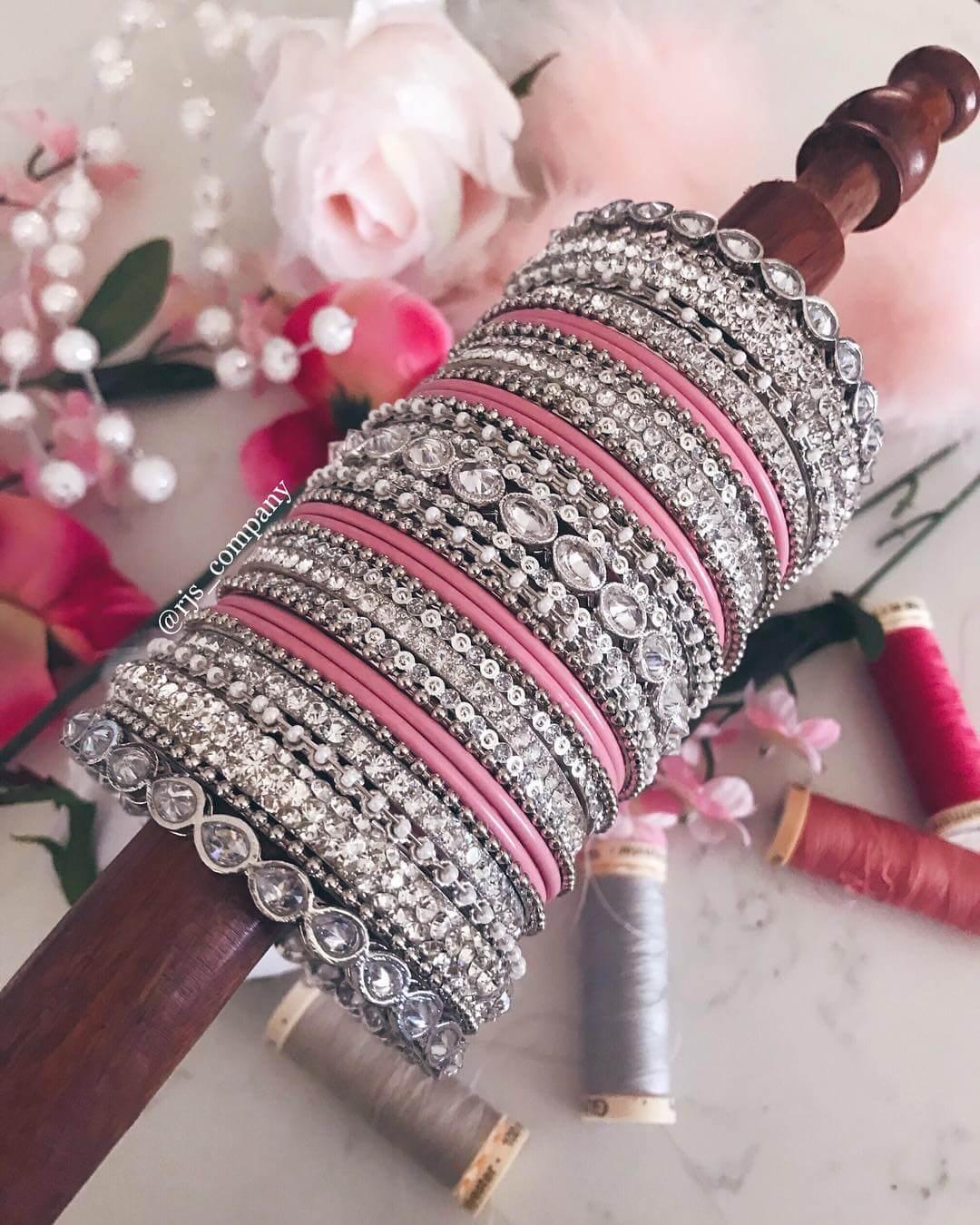 Dusty pink bridalbangle design