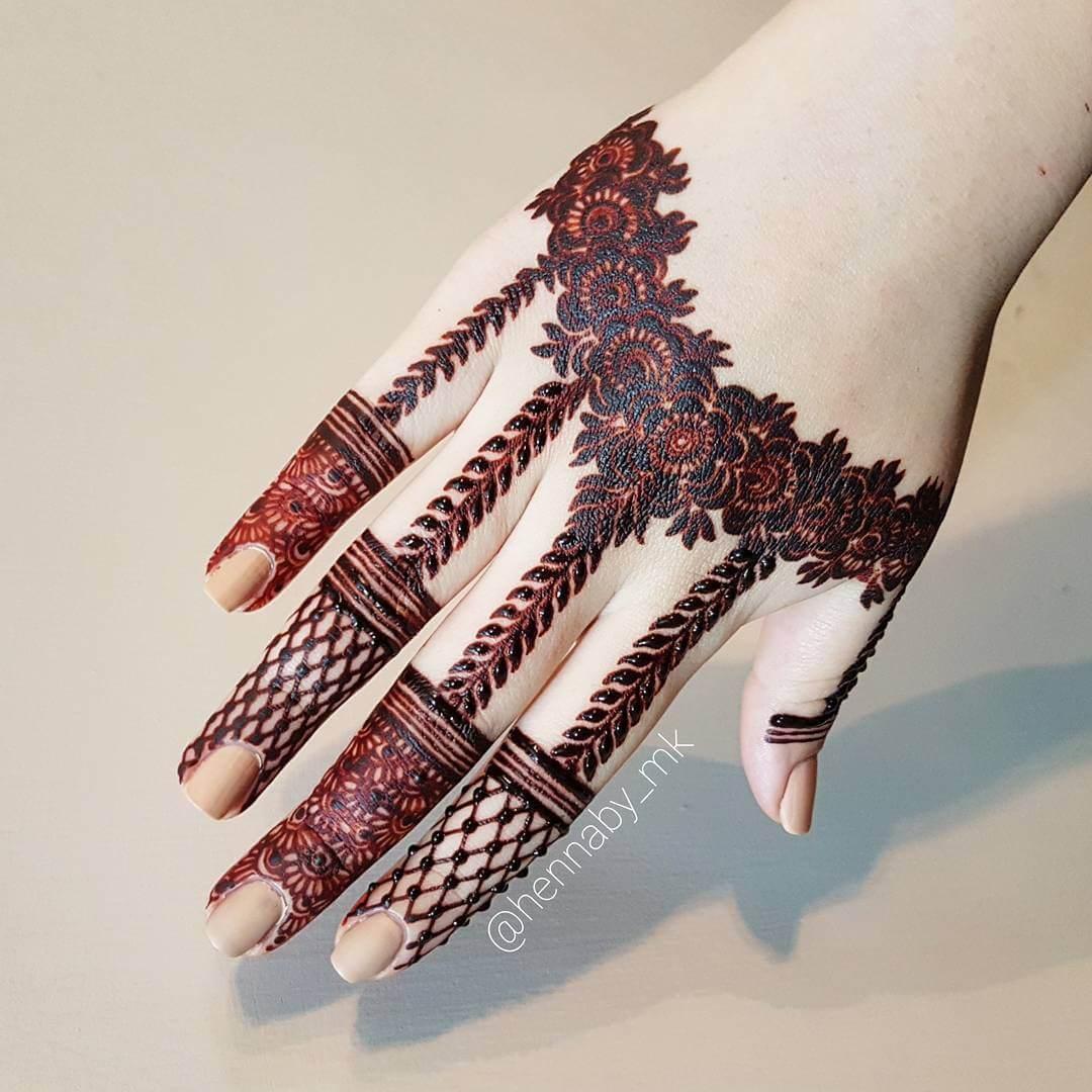 stylish mehendi designs for fingers