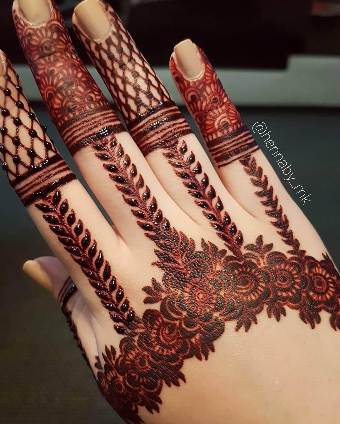 Flowery vile design Unique Mehndi Design for Bride and Bridesmaids
