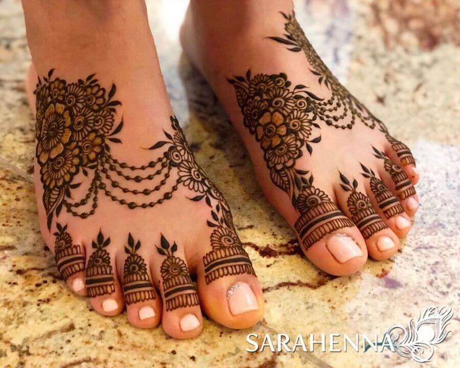 Jewelry inspired Beautiful Feet Henna Mehandi Designs