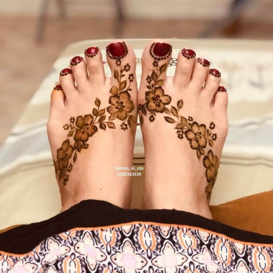 Simple Floral Feet Henna Mehndi Designs downlaod