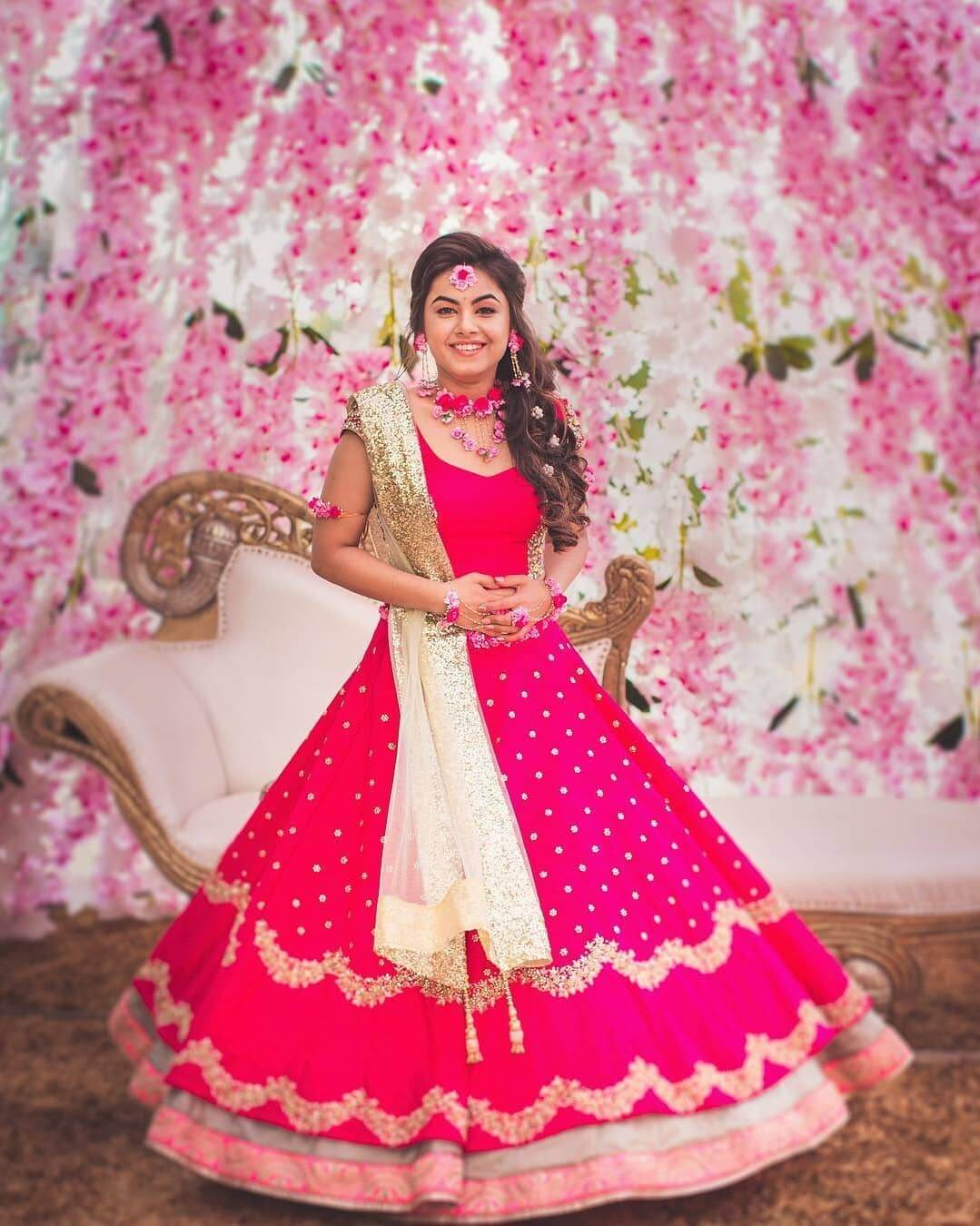 Red never goes out of fashion - What do brides wear for Mehndi Function? Know from Real Brides!