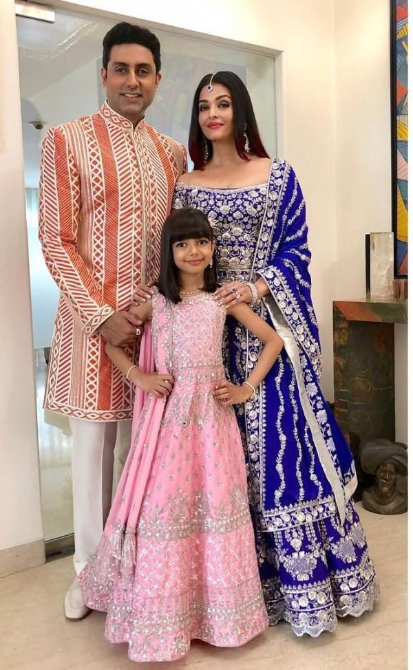 Purple And Silver Lehenga - Aishwarya's Wedding Dresses -  Abhishek Bachchan