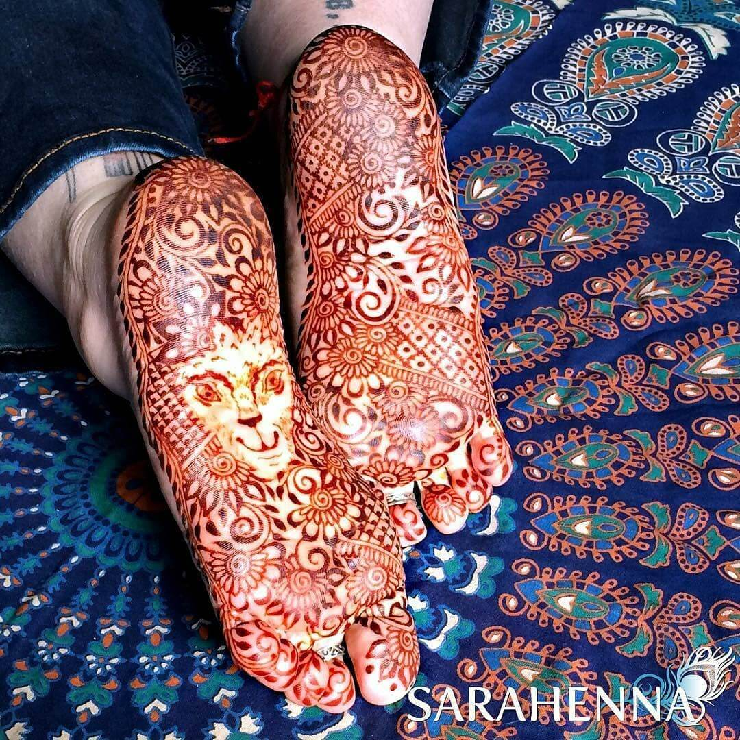 The Fierce Queen foot mehndi design
