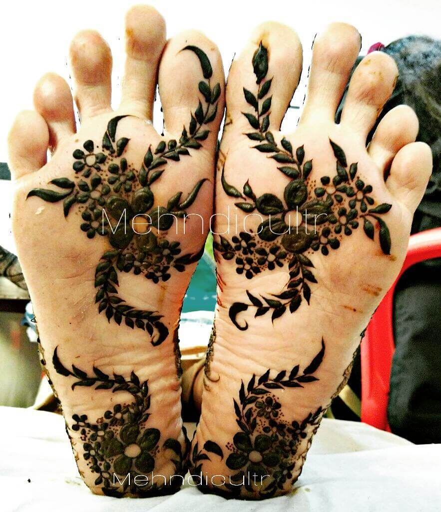 Floral Fusion Henna Design for foot