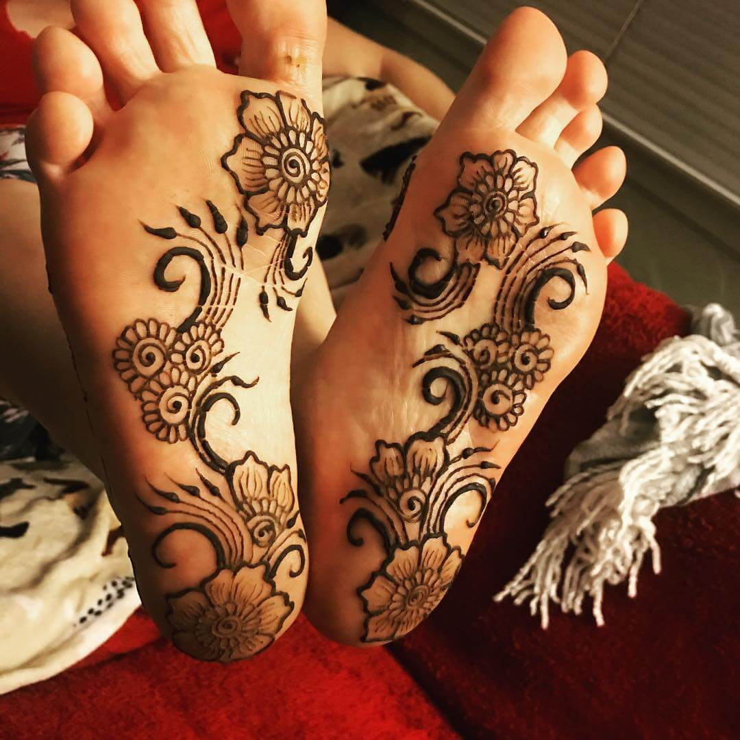 Sole Blossom Mehndi Design For Foot