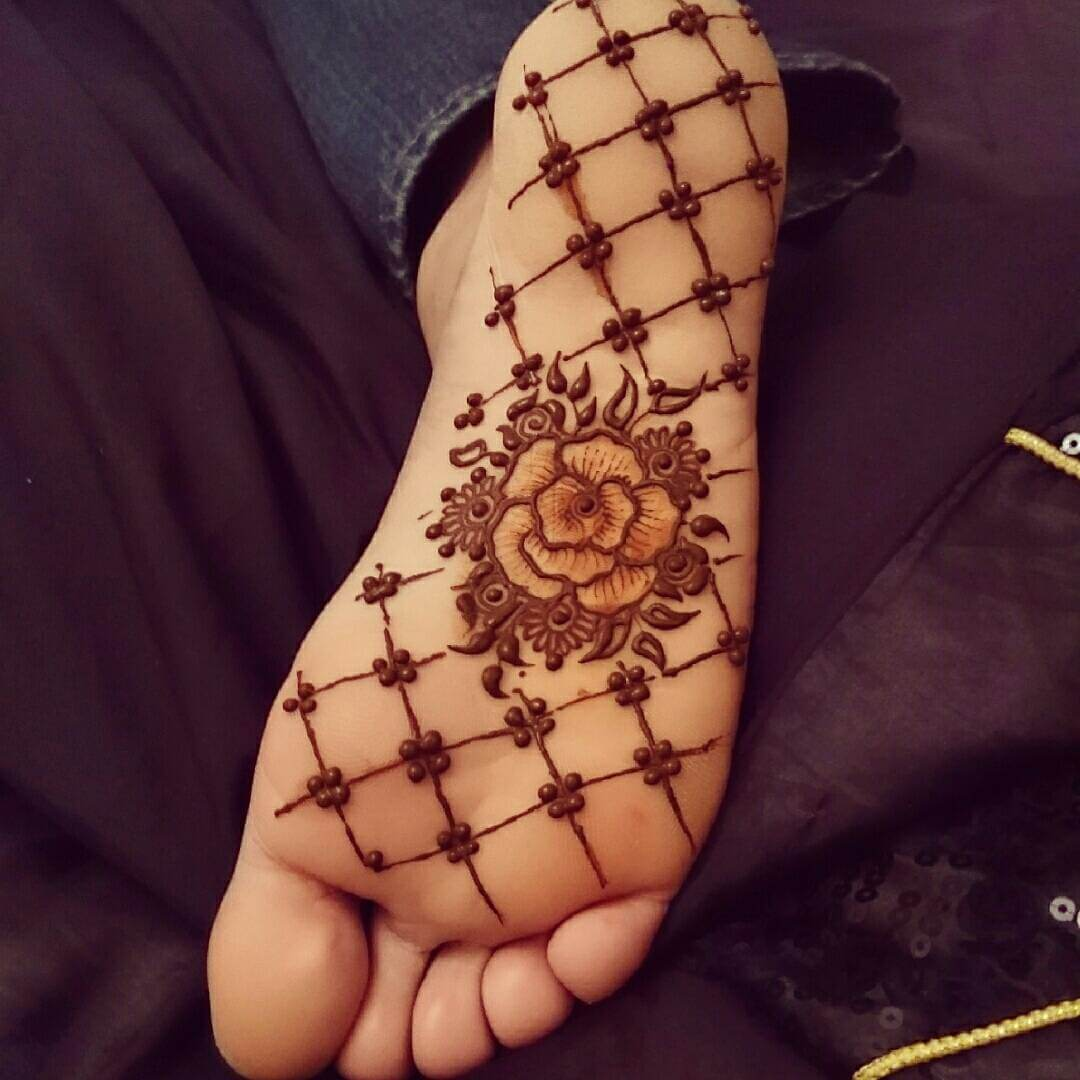 Alluring Rose Mehndi Design