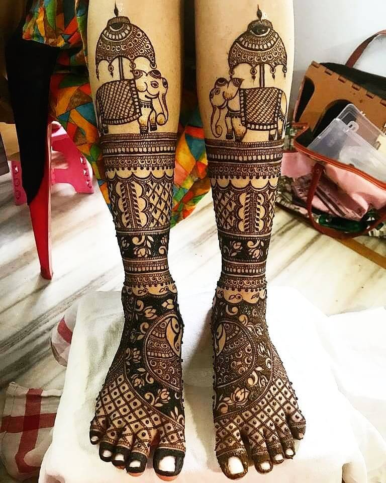 An All Rounder Mehandi For Bride's Legs