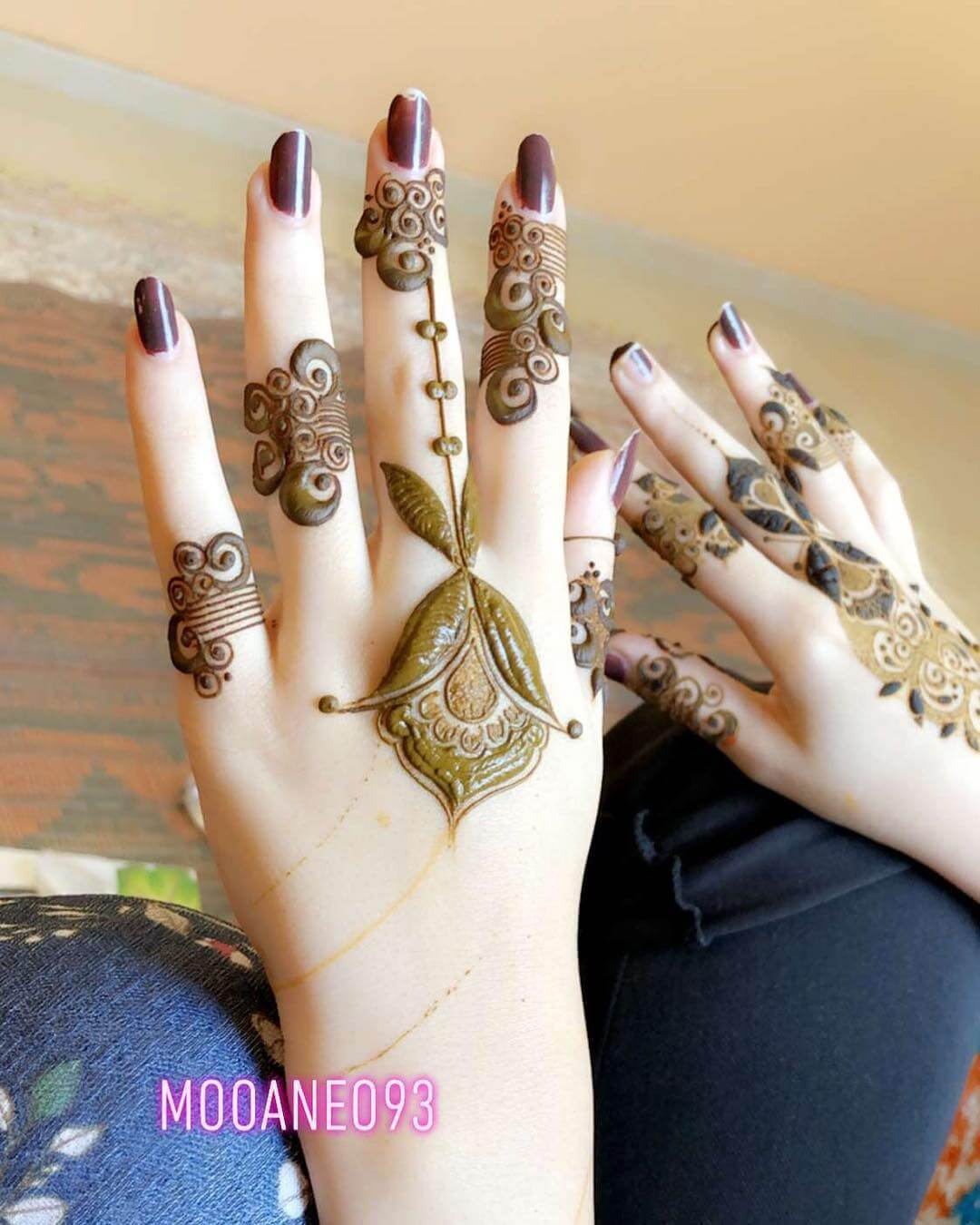 Khafif Blossom Mehndi Design For Fingers