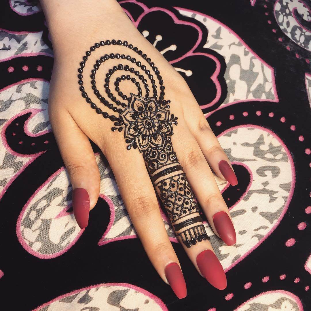 One Finger Beads Pattern Mehndi Design